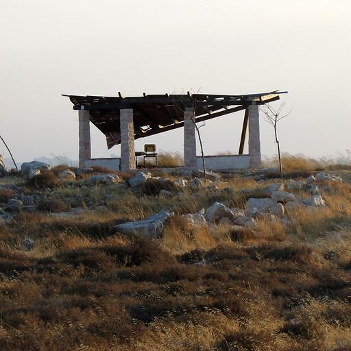recent ruins at Makrun