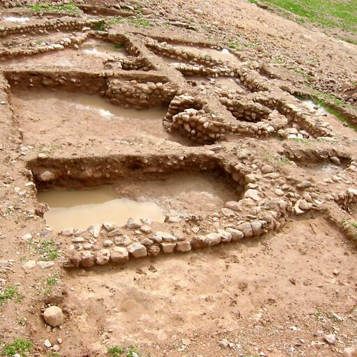 ruins at Tell esh Sheikh Dhiab