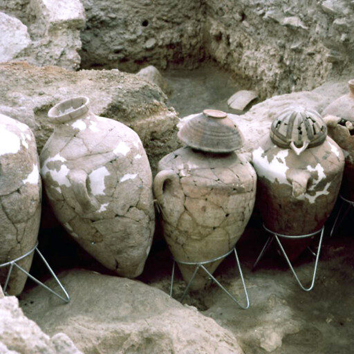 artifacts at Tell Abu Hawam