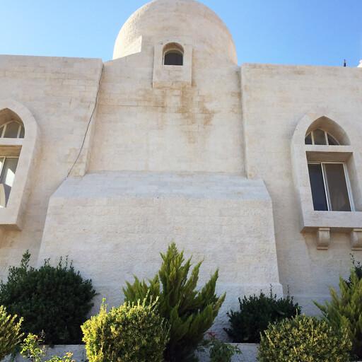 building at Jebel Osha